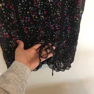 Decree Tops - Black lacy tank top